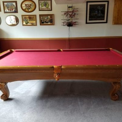 9' Pool Table Extremely Nice