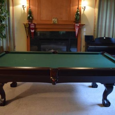 Beautiful Mahogany Pool Table