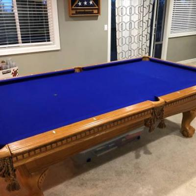8' Tournament Pool Table